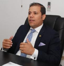 Carlos Luis Falcón Bosque